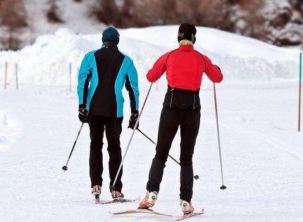 cross-country-skiing-3020751_960_720.jpg